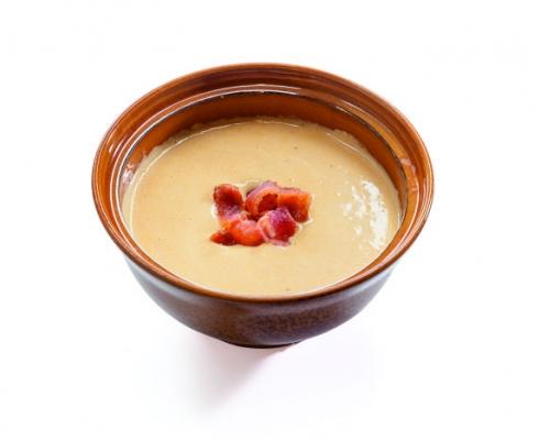 Сырный крем-суп с чипсами бекона