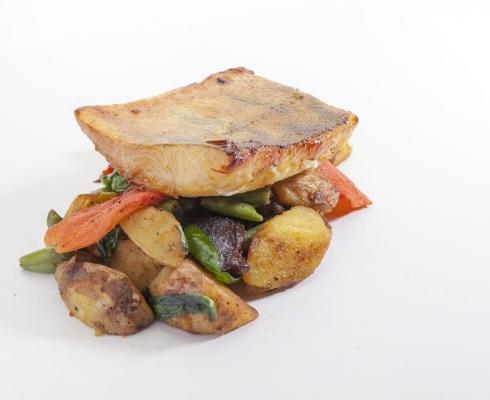 Судак в мисо-маринаде с овощами